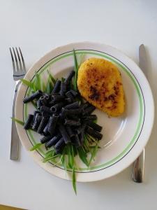 black beans pasta